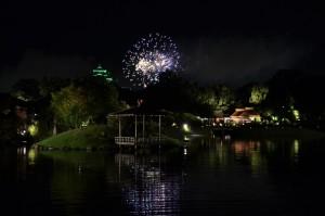 夏の幻想庭園-花火