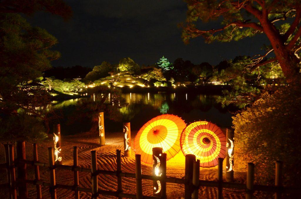 秋の「幻想庭園」ライトアップ演出
